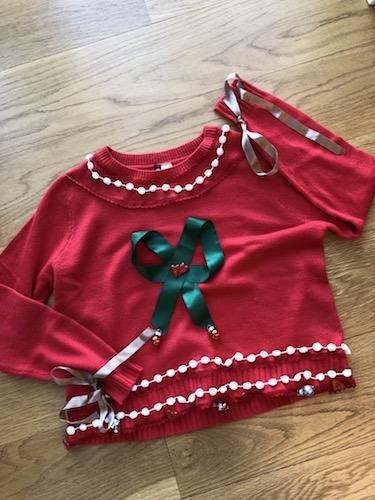 finished_sweater_ribbon_christmas