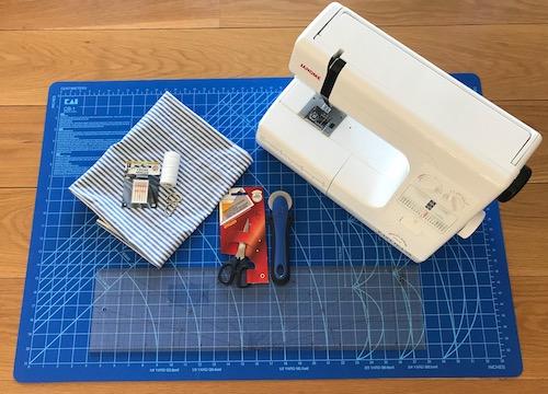 tilbehør symaskin nål skjærematte linjal